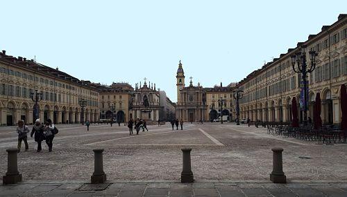 Piazza San Carlo1